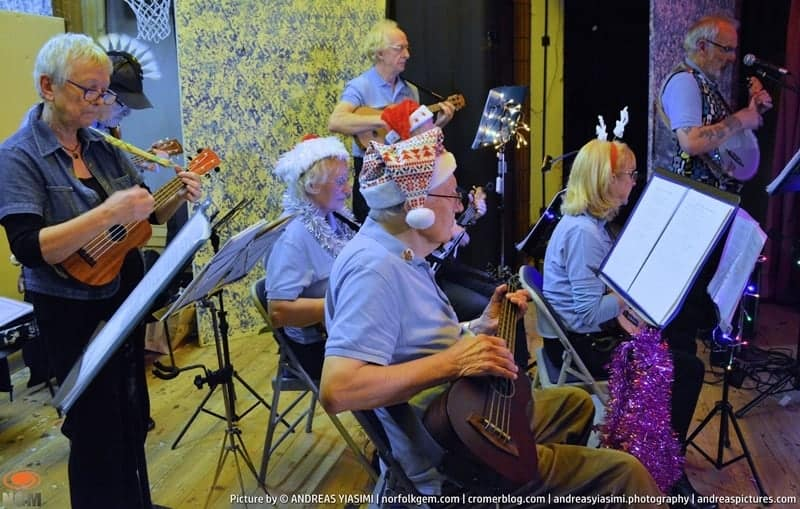 Cromer Carnival Senior Citizens Christmas Concert picture Andreas Yiasimi (36)