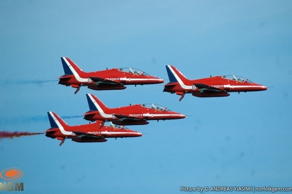 Red-Arrows-fly-over-Cromer-Norfolk-UK-picture-by-Andreas-Yiasimi